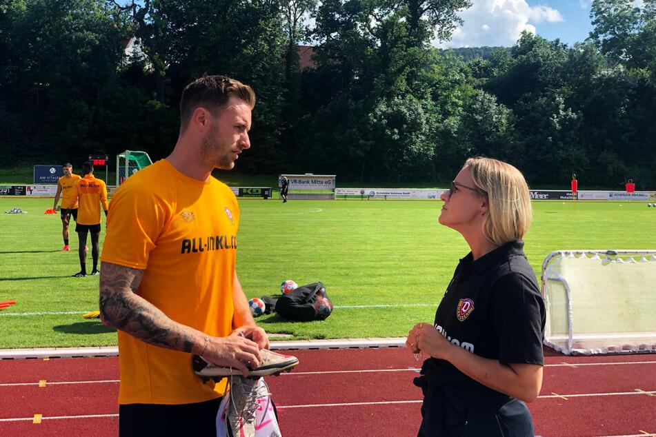 Michael Sollbauer (31, l.) im Gespräch mit Teammanagerin Marie Jenhardt (31).