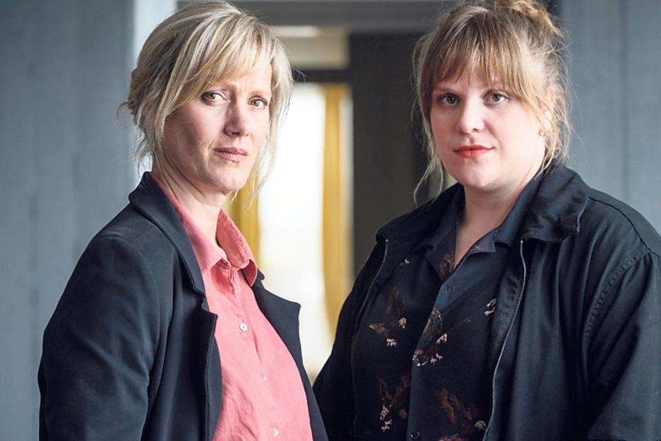 Die erfahrene Dortmunder Ermittlerin Martina Bönisch (Anna Schudt, 46, l.) und die Neue im Team, Rosa Herzog (Stefanie Reinsperger, 33).