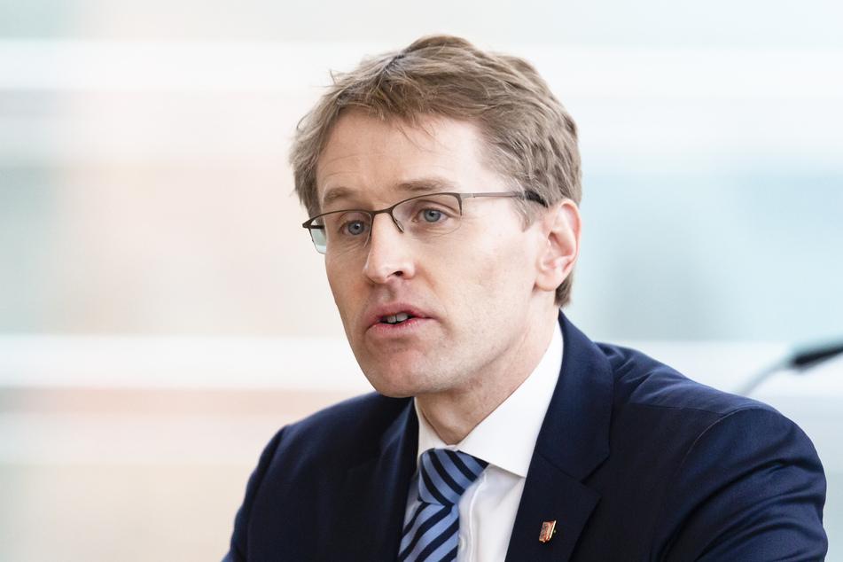 Der Ministerpräsident von Schleswig-Holstein unterstützt die neuen Verordnungen.