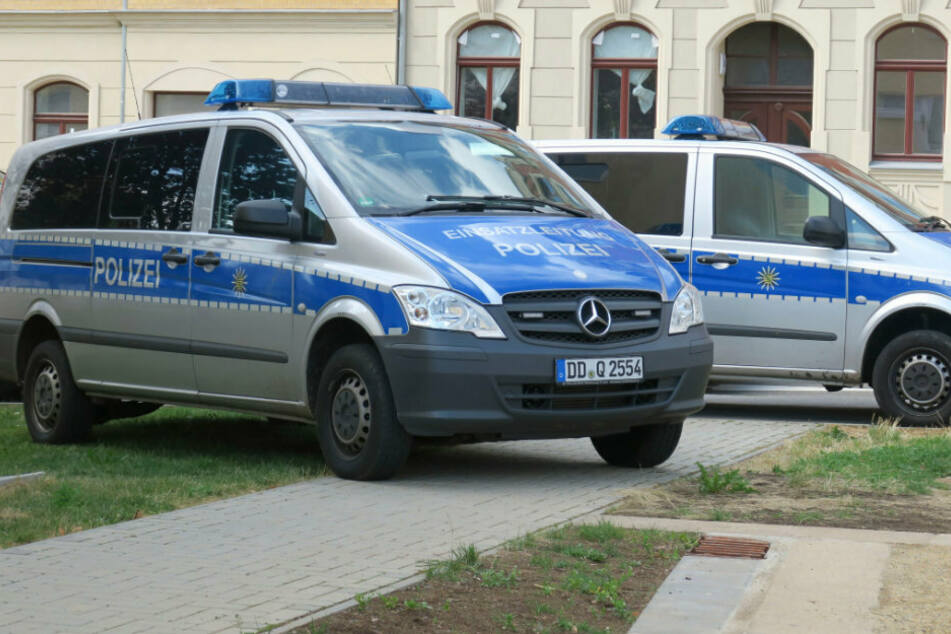Bei dem Einsatz wurden auch die Polizisten angegriffen. (Symbolbild)