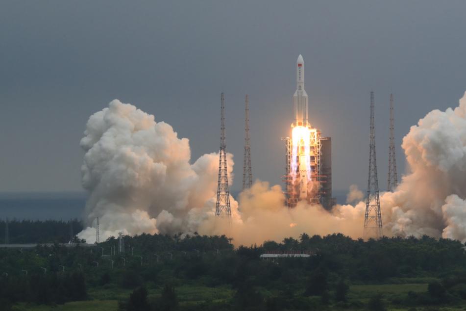 China-Raumstation macht Probleme: Stürzen Trümmerteile auf die Erde?