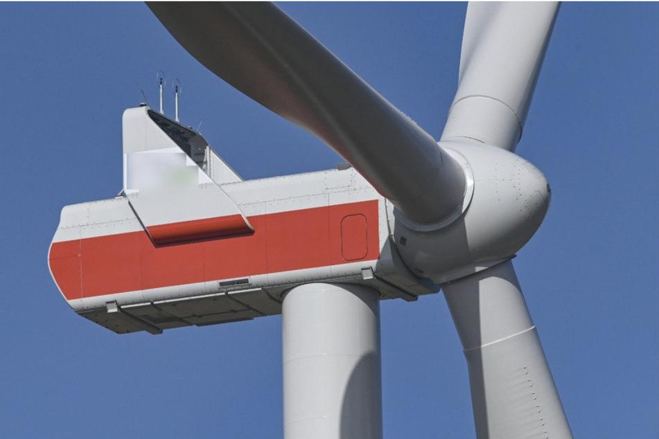 Rund 100 Millionen Euro fließen in den Windpark , der auch schon ab 2024 Strom liefern soll.