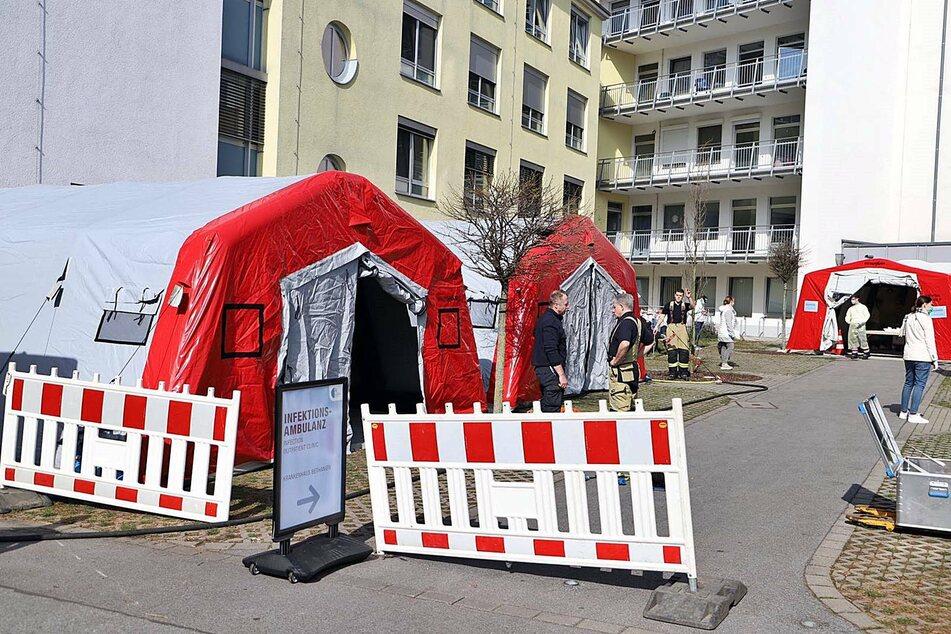 Die Anlaufstelle für Corona-Verdachtsfälle am Krankenhaus Bethanien in Solingen.