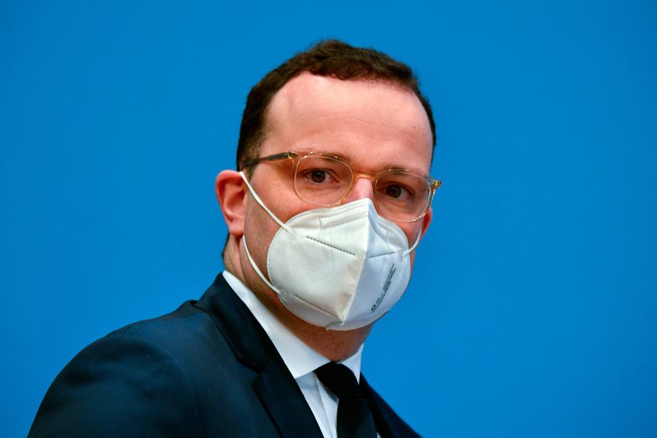 Bundesgesundheitsminister Jens Spahn (CDU) mahnt, dass sich Deutschland weiterhin an die Corona-Regeln halten muss.