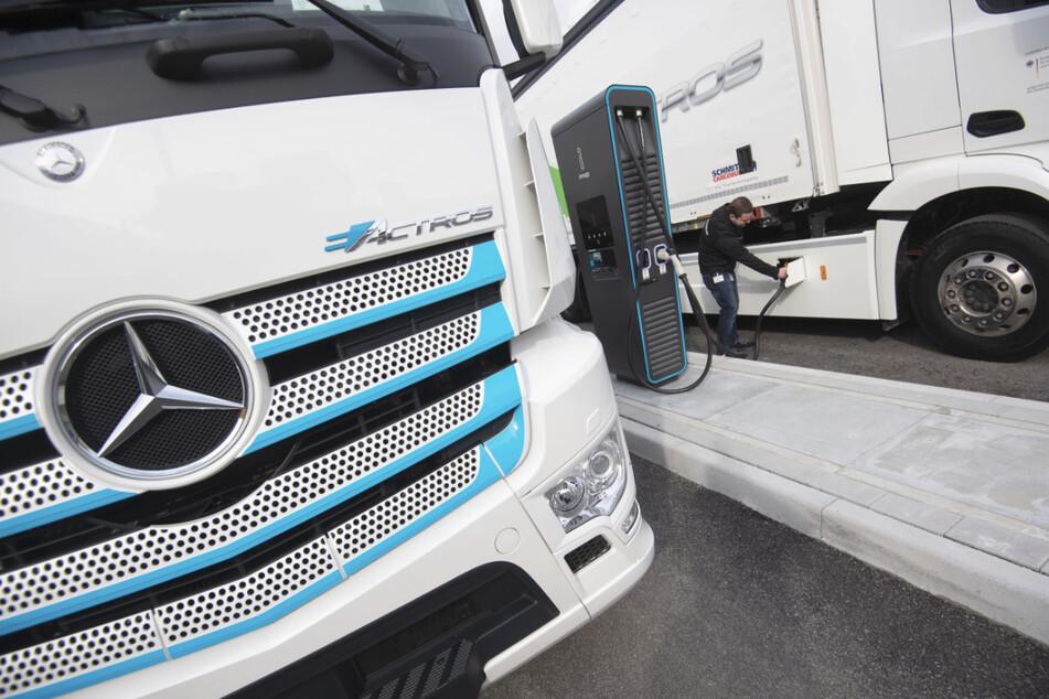 Geht Daimler Trucks nun auch an die Börse?
