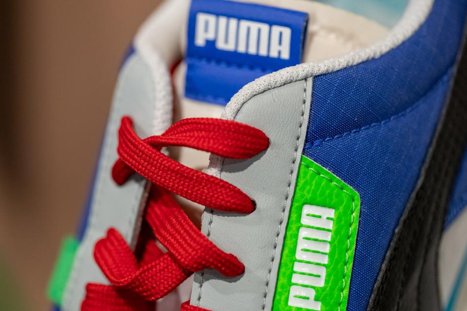 Ein Schuh des Sportartikelherstellers Puma. (Archivbild)