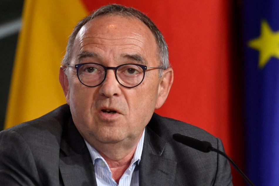 Norbert Walter-Borjans, Bundesvorsitzender der SPD, spricht bei einer Pressekonferenz im Bundeskanzleramt.