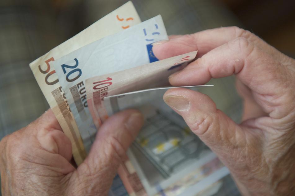 Zu wenig! Gericht hält 150 Euro Corona-Zuschuss für verfassungswidrig