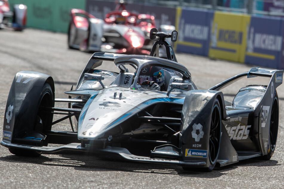 Nyck de Vries (26) fuhr am Wochenende im Mercedes-Benz EQ auf dem ehemaligen Flughafen Tempelhof zum Weltmeistertitel in der Formel E.