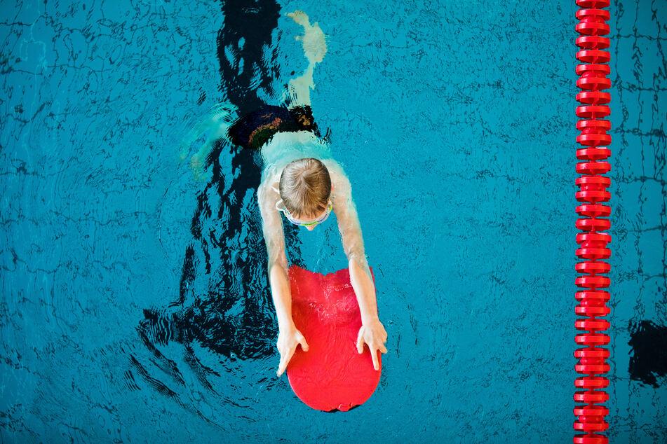 Rund 100.00 Kinder haben während der Pandemie nicht schwimmen gelernt.