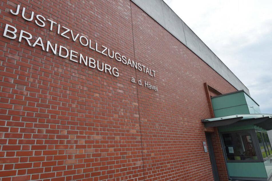 In der JVA Brandenburg/Havel wurde am Montagmorgen ein 64-jähriger Mörder leblos in seiner Zelle aufgefunden. (Archivfoto)