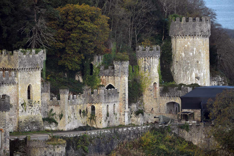 """Die britische Dschungelcamp-Show """"I'm A Celebrity… Get Me Out Of Here!"""" soll wegen der Corona-Pandemie in diesem Jahr erneut auf Schloss Gwrych in der Nähe von Wales gedreht werden."""