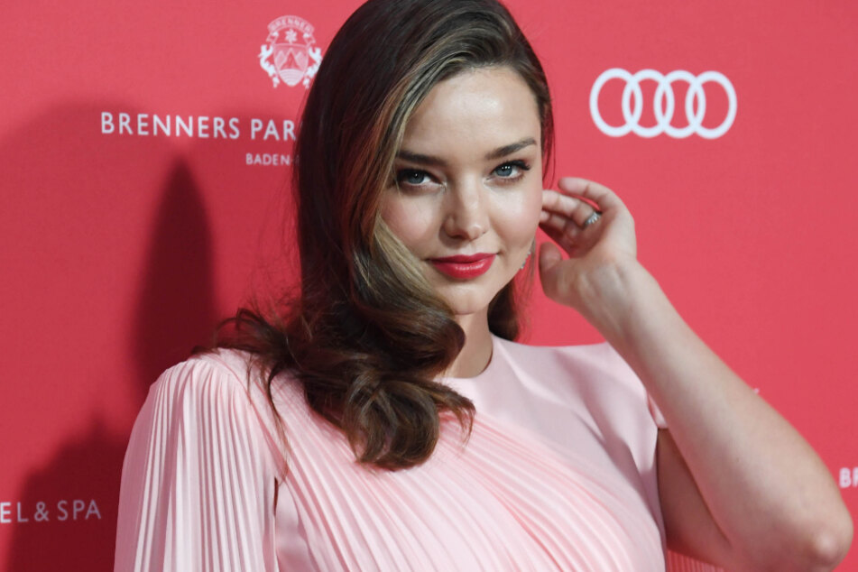 The Australian model Miranda Kerr congratulated her ex-husband Orlando Bloom and pop star Katy Perry on their little daughter.