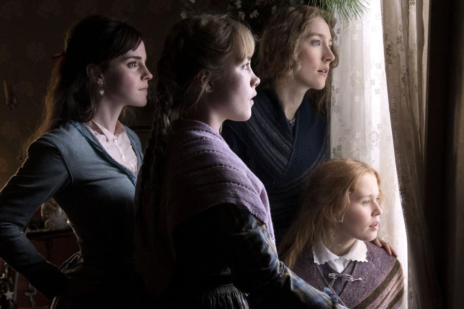 """Emma Watson (l.) als Meg March in einer Szene des Films """"Little Women"""" - ihrem bislang letzten Film."""