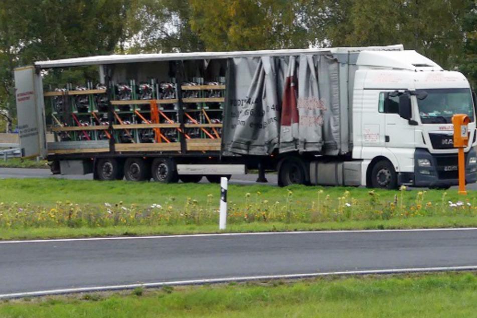 Das Foto zeigt den Sattelzug, der auf der A4 in Osthessen von der Polizei gestoppt wurde.