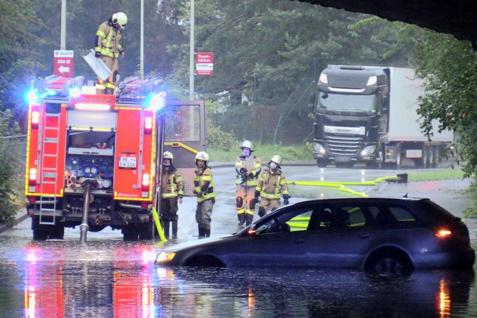 Blitze und Starkregen sorgen für Chaos in Teilen von NRW