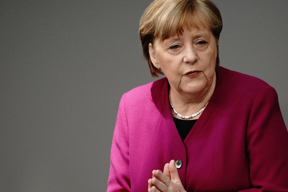 Für den Einsatz von Ärzten und Pflegekräften: Merkel sagt Danke!