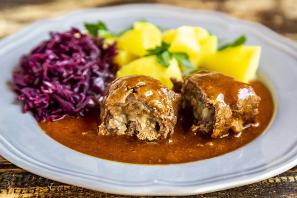 """Diesen Sonntag gibt's im """"Hofbräu"""" am Neumarkt Rinderroulade mit Rotkohl und Kloß zum Mitnehmen."""