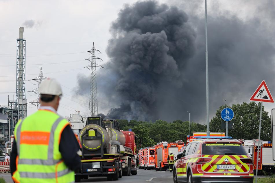 Am Dienstagmorgen kam es zu einer Explosion mit anschließendem Großbrand in der Sondermüllverbrennungsanlage in Leverkusen.