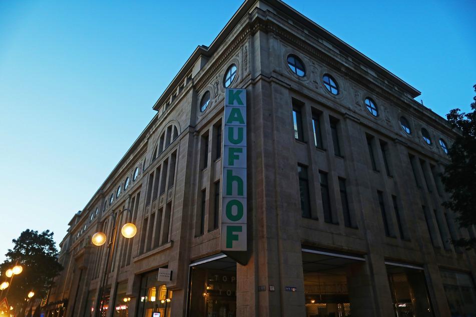 Galeria Karstadt Kaufhof, der letzte große deutsche Warenhauskonzern, will 62 seiner 172 Filialen schließen.