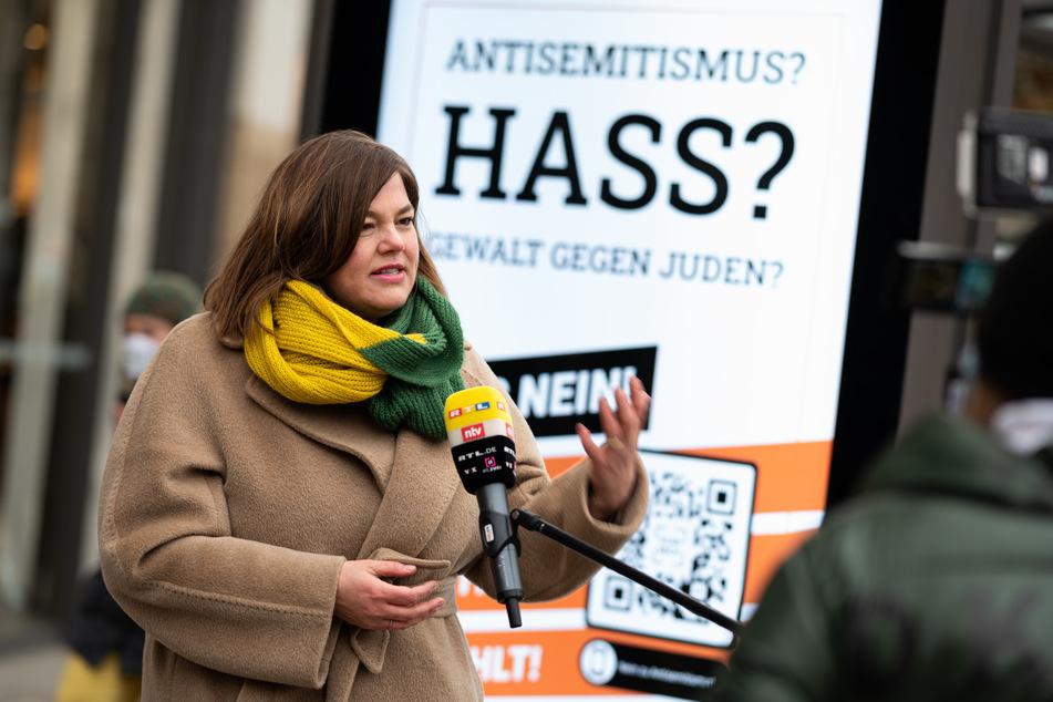 Katharina Fegebank (Bündnis 90/Die Grünen) stellt die Plakatkampagne vor.