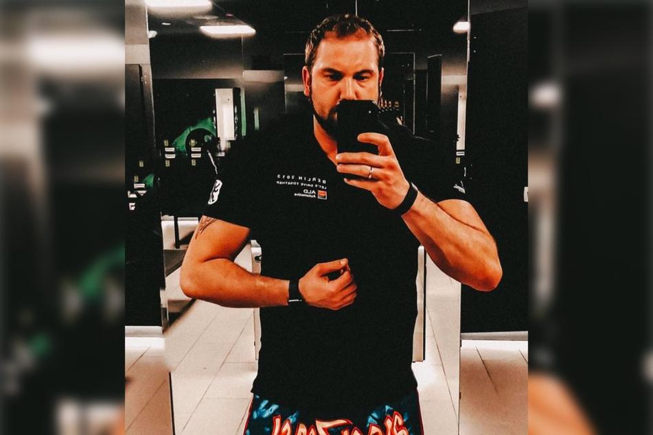 Aktuell kann HadeB-Star Philipp (34) keinen Sport machen: Nach einer Bandschreiben-OP regeneriert sich der 34-Jährige gerade in der Reha.