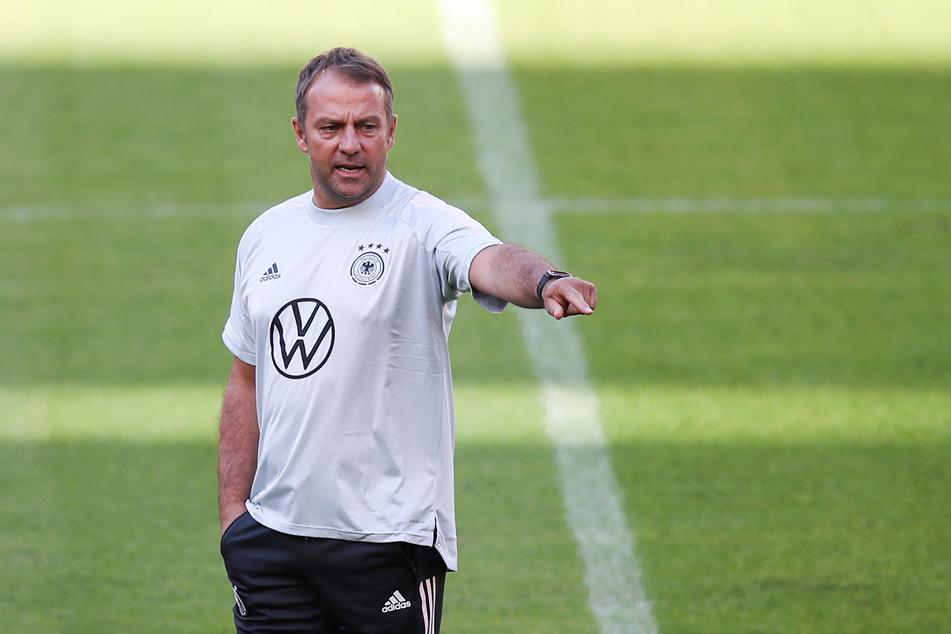 Hansi Flick (56) ist seit 1. August 2021 der Trainer der deutschen Fußballnationalmannschaft.