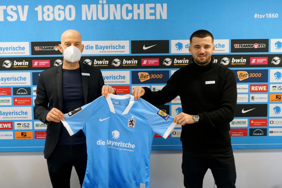 Keanu Staude (24, r.) und TSV-Geschäftsführer Günther Gorenzel (49) bei der Vorstellung des Spielers im Winter.
