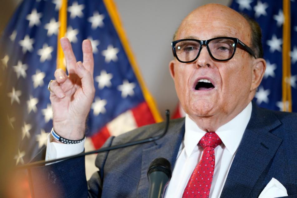 Trump-Anwalt Rudy Giuliani auf 1,3 Milliarden Dollar Schadenersatz verklagt
