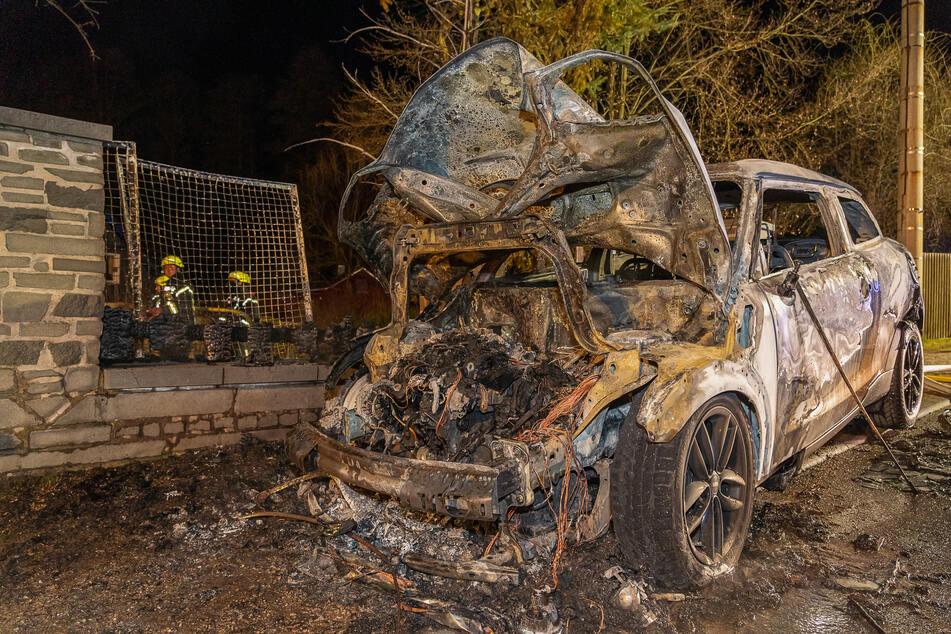 Mini und Schuppen ausgebrannt: War es Brandstiftung?