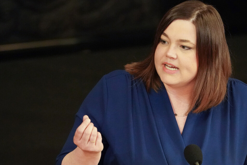 Katharina Fegebank (44, Die Grünen) will Unternehmen in der Corona-Krise mehr in die Pflicht nehmen.