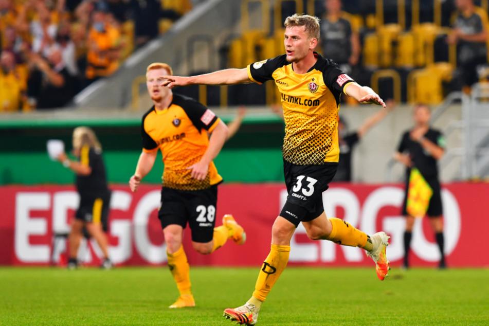 So wollen ihn die Fans gegen 1860 wieder erleben - auch wenn sie die Partie nur am TV verfolgen können. Christoph Daferner jubelt nach seinem Tor zum zwischenzeitlichen 3:0 im DFB-Pokal gegen den HSV.