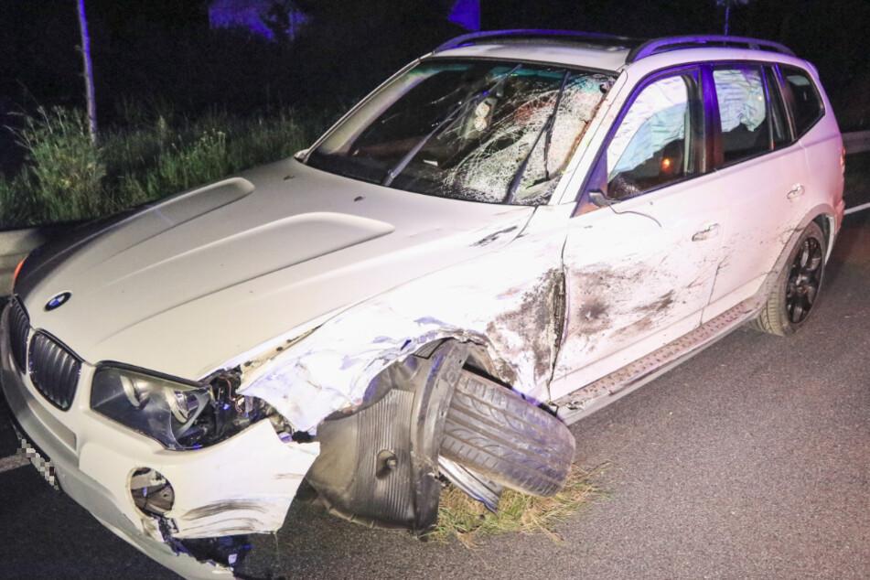 Der BMW wurde bei dem Unfall erheblich beschädigt.
