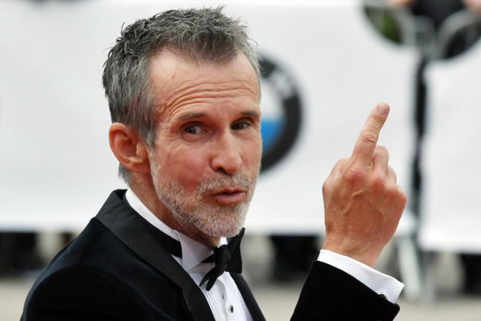 """Schauspieler Ulrich Matthes (61), Präsident der Deutschen Filmakademie, kommt zur Verleihung des 69. Deutschen Filmpreises """"Lola""""."""