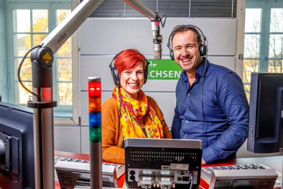 Überhaupt nicht abgehoben moderiert Silvio Zschage zusammen mit Elena Pelzer die Morgensendung.