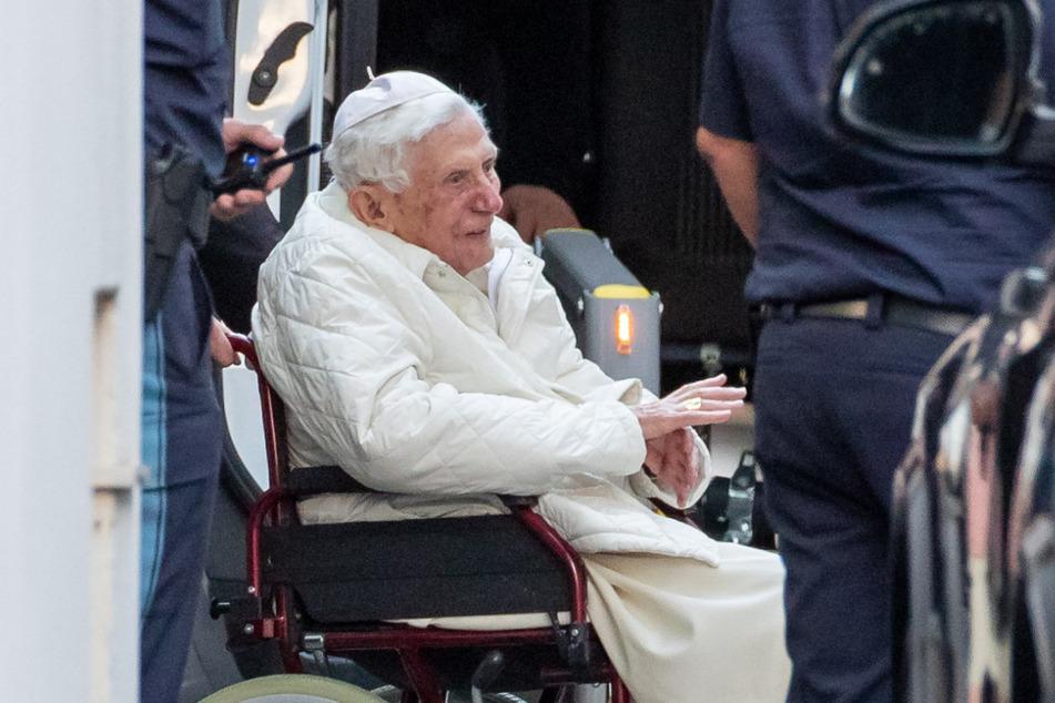Der emeritierte Papst Benedikt XVI. (94) bei seinem Besuch in Regensburg im Juni 2020.