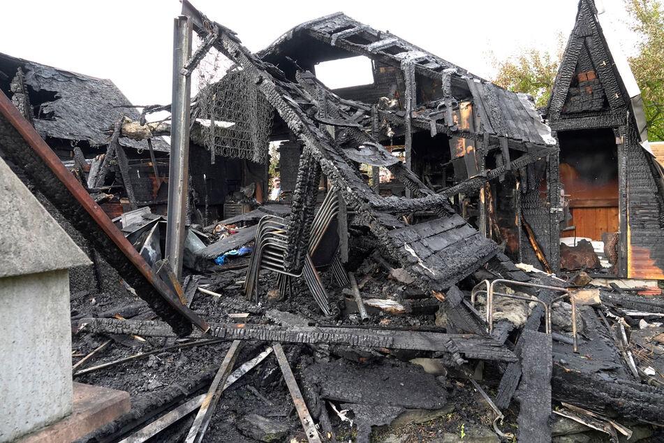 Zwei Brände in einer Nacht: Gartenlauben in Chemnitz vernichtet