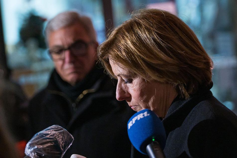 Ministerpräsidentin Malu Dreyer (59, SPD) und Innenminister Roger Lewentz (57, SPD) gaben am frühen Abend ein erstes Statement ab.