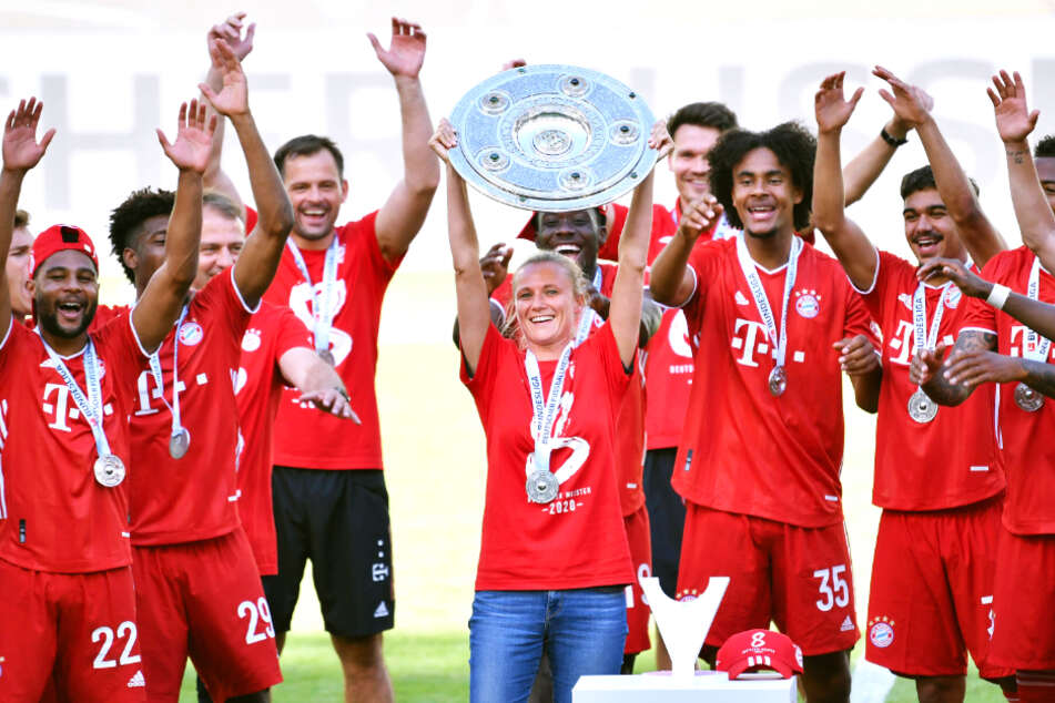 Kathleen Krüger wird von den Bayern-Stars als Teammanagerin regelrecht gefeiert.