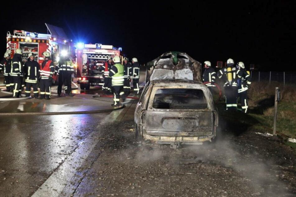 Auto auf A4 komplett ausgebrannt!