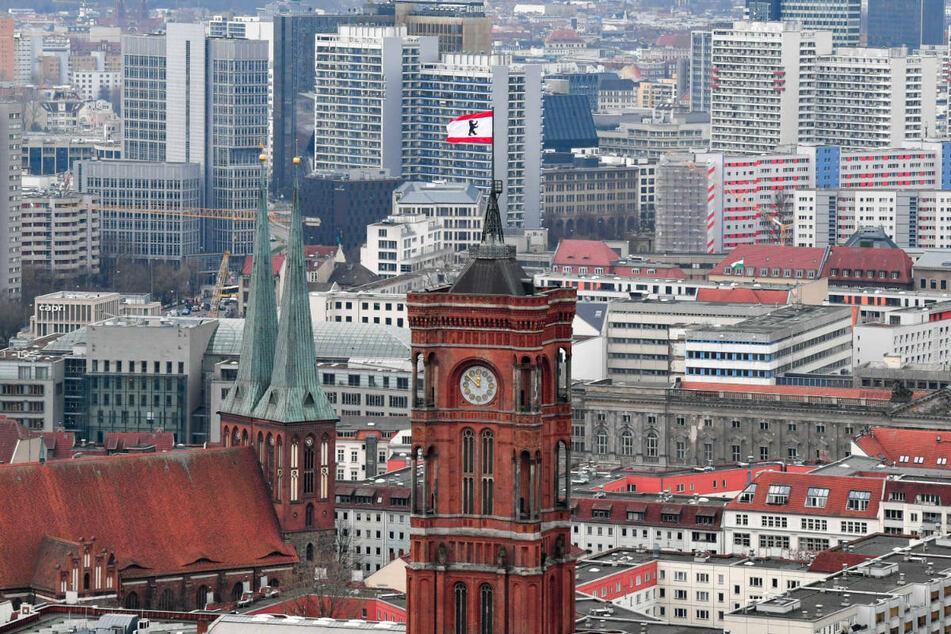 """Nach dem gescheiterten Mietendeckel soll in Berlin ein """"Mietenschutzschirm"""" dem Anstieg der Wohnkosten entgegenwirken."""