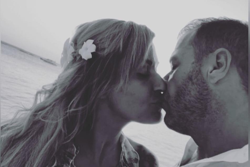 """Dieses Bild postete Jasmin auf ihrem Instagram-Kanal und äußerte sich mit folgenden Worten zu dessen Tod: """"Es waren zwei Königskinder...das Wasser war viel zu tief...""""."""