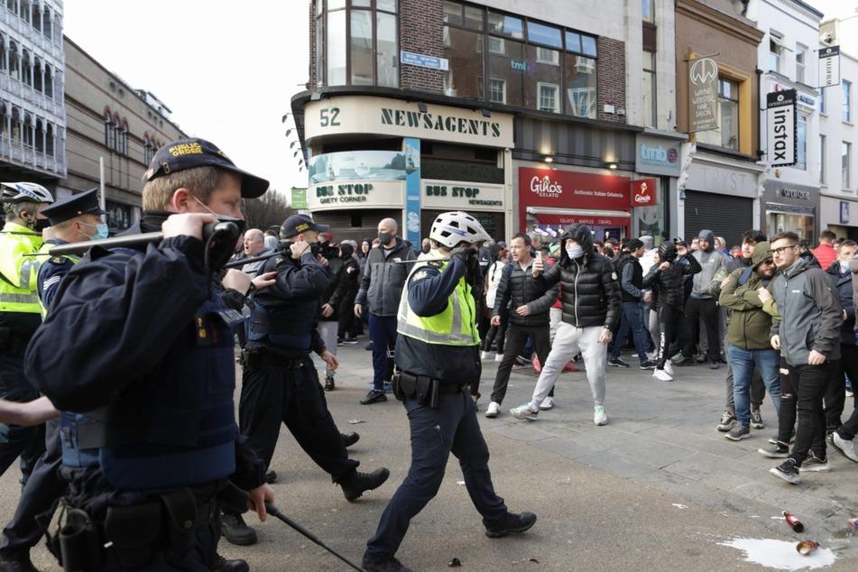 Coronavirus: Hunderte rebellieren in Dublin gewaltsam gegen Lockdown