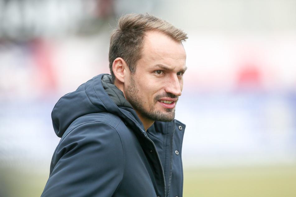 FSV-Sportchef Toni Wachsmuth vermutet, dass die 3. Liga bis auf Weiteres ausgesetzt wird.