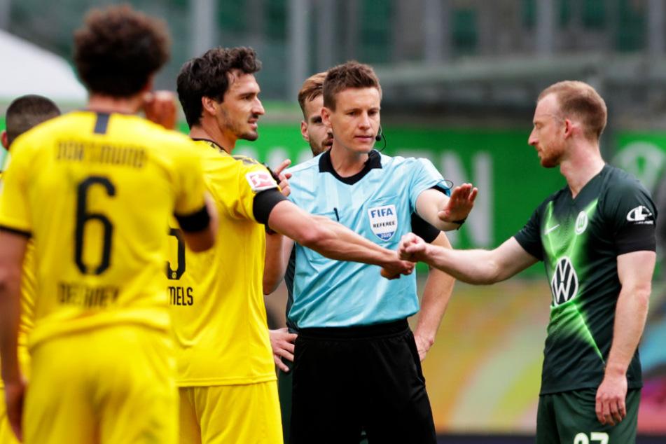 Der BVB bangt vor dem Spitzenspiel gegen Bayern München um Mats Hummels (Zweiter von links).