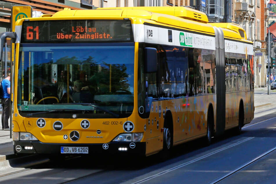 Die Frau und der Unbekannte fuhren mit dem Bus der Linie 61. (Archivbild)