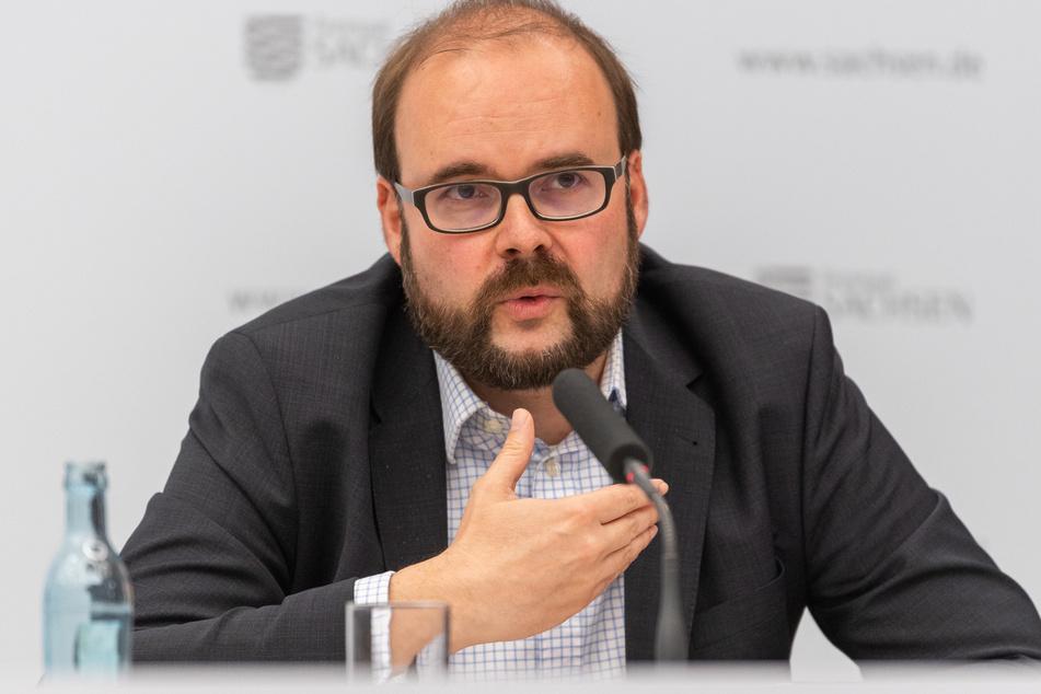 Sachsens Kultusminister Christian Piwarz (45, CDU) will Familien bei den Corona-Impfungen bevorzugen.