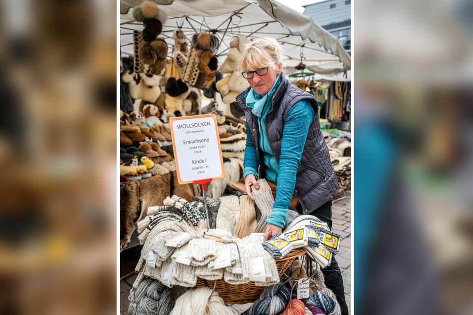 Händlerin Ulrike Eberlein (50) aus dem Erzgebirge verkauft Naturprodukte.