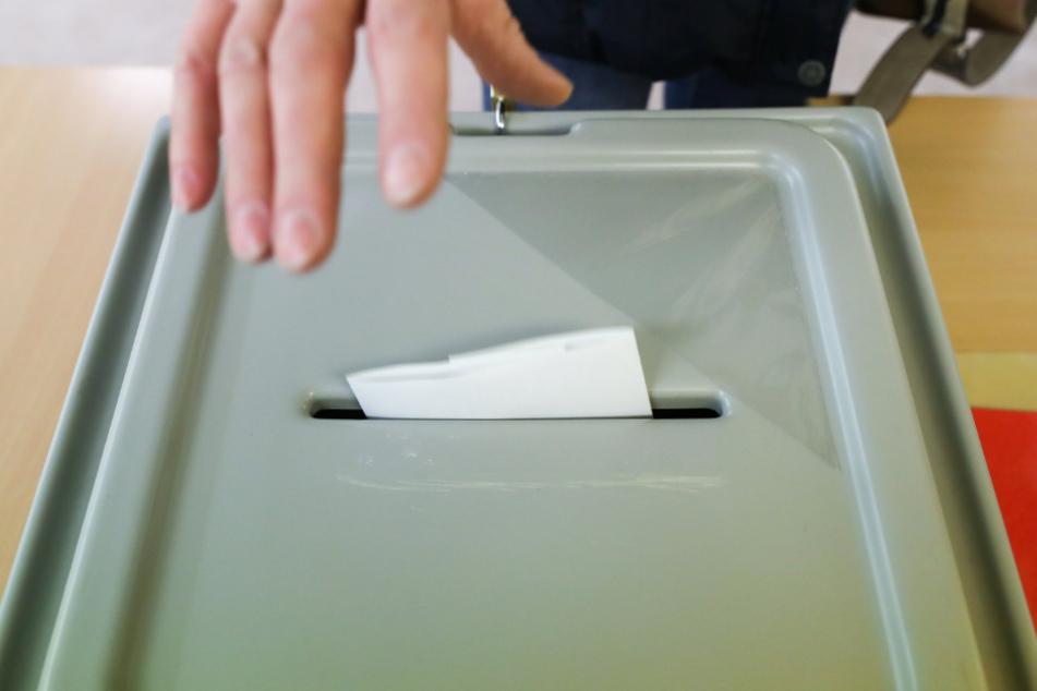Stimmen für den Bürgermeister: Bei den Wahlen am Wochenende schnitt die SPD vielerorts überraschend gut ab. Die AfD konnte erneut nicht in ein sächsisches Rathaus einziehen.