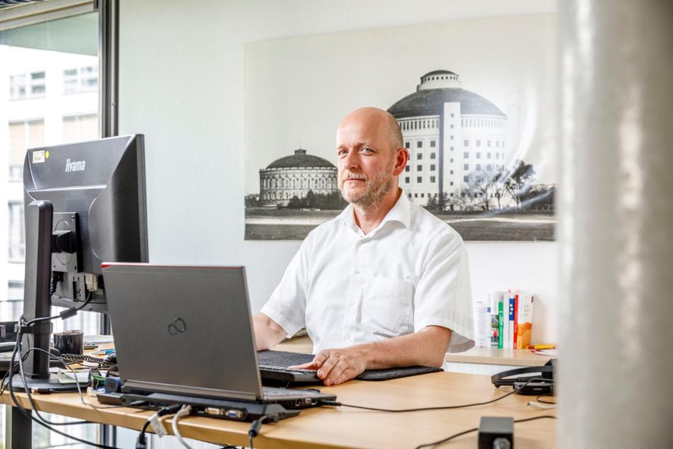 Wacht über die Wahlen: Dr. Markus Blocher (52), Chef des Bürgeramtes.